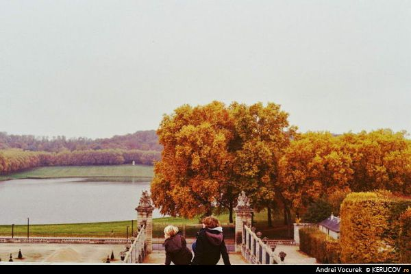 Fotografia Doi / Two, album Palatul si Gradinile de la Versailles / The Palace And Gardens Of Versailles, Versailles, Franta / France, KERUCOV .ro © 1997 - 2018 || Andrei Vocurek