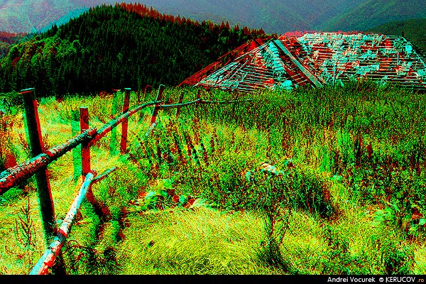 Fotografia La stana Tamasel (3D) / At The Tamasel Sheepfold (3D), album Fotografii 3D, stereoscopice, anaglife / 3D Photography, Stereoscopic Photos, Anaglyphs, Masivul Piatra Craiului, Romania / Roumanie, KERUCOV .ro © 1997 - 2019 || Andrei Vocurek